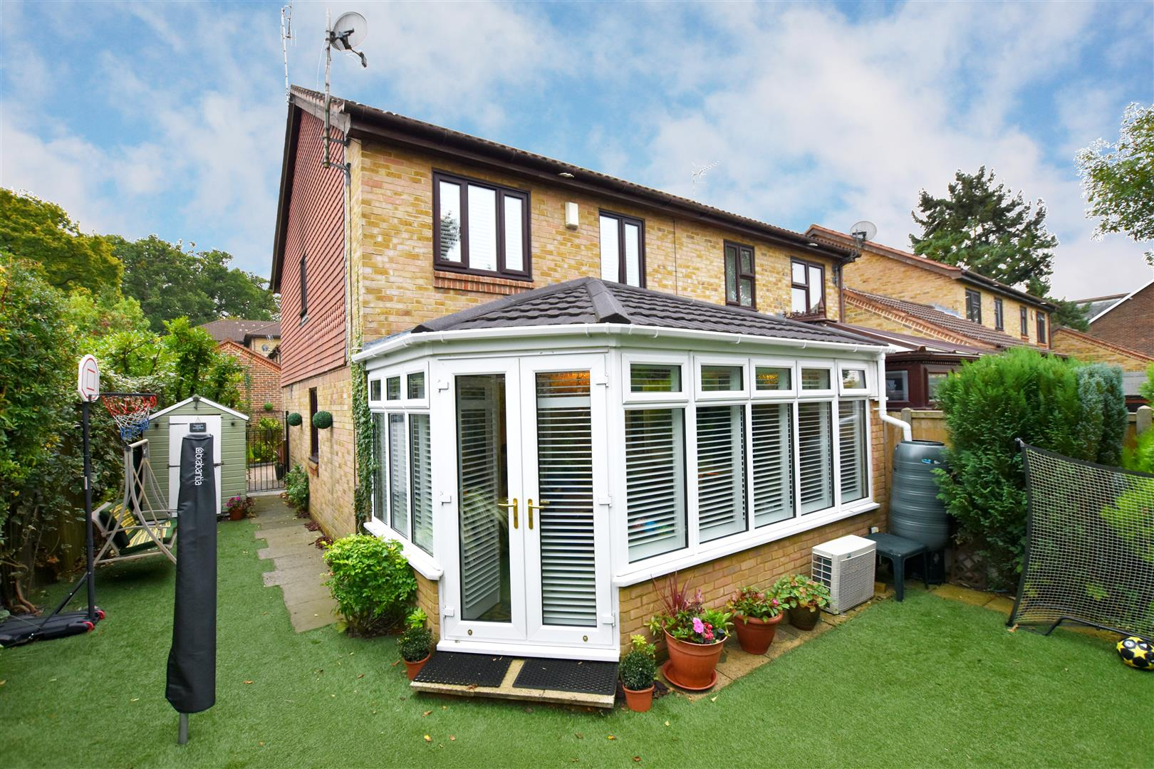 3 Bedrooms House for sale in Alpine Road, Redhill